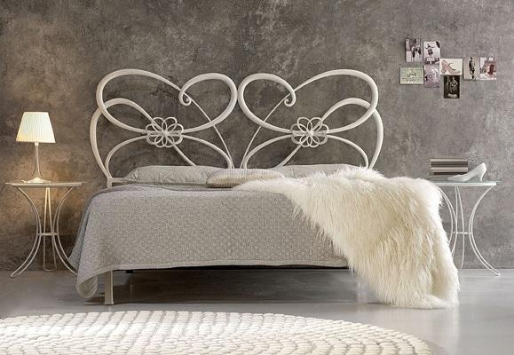 Letto in ferro battuto anche per le anime pi moderne domus mobili - Camere da letto ferro battuto ...